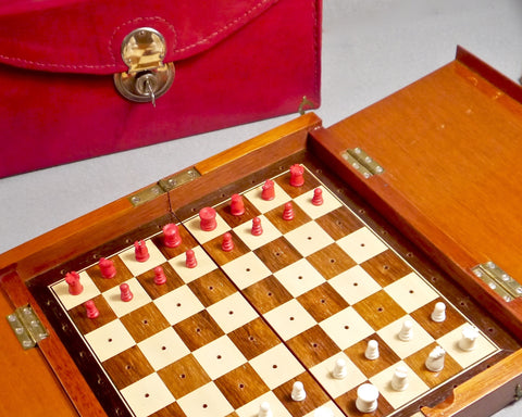 Whittington Pattern Travelling Chess Set