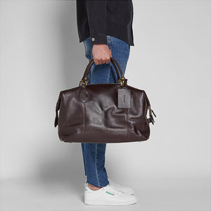 BARBOUR TRAVEL EXPLORER BAG - CHOCOLATE BROWN LEATHER - UBA0008BR91 - Modelled Side