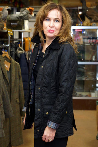 Barbour Beadnell Ladies Black Quilted Wax Jacket provst.