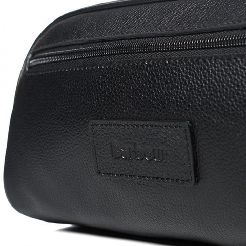 Barbour leather washbag in Black UBA0009BK11 logo