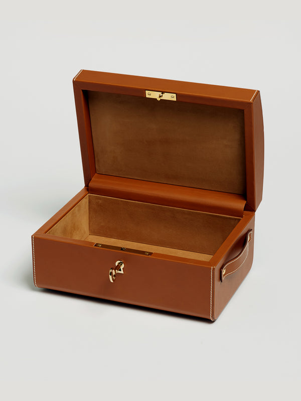 Connolly England | Tan Nomadic Chest with Gold Studs 1904