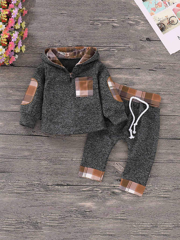 Pull à capuche avec patch et carreau & Pantalon