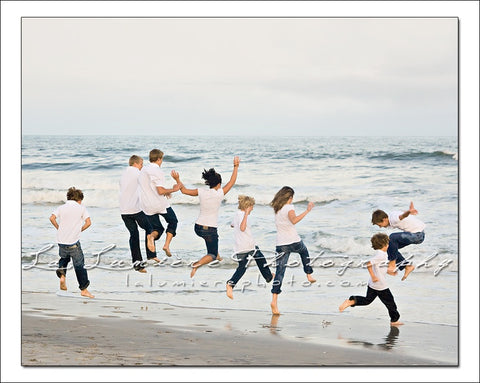 Have you taken any good family portraits on the beach be sure to share your favorite family beach portrait ideas