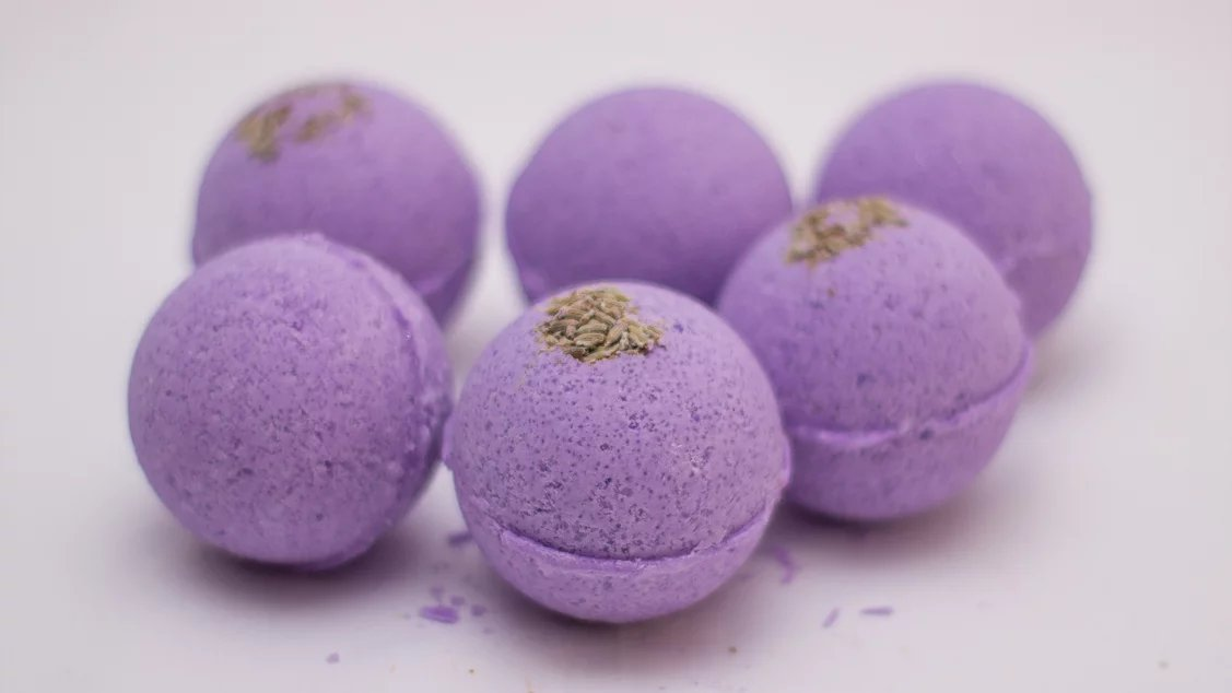 Coconut Oil Lavender Bath Bomb
