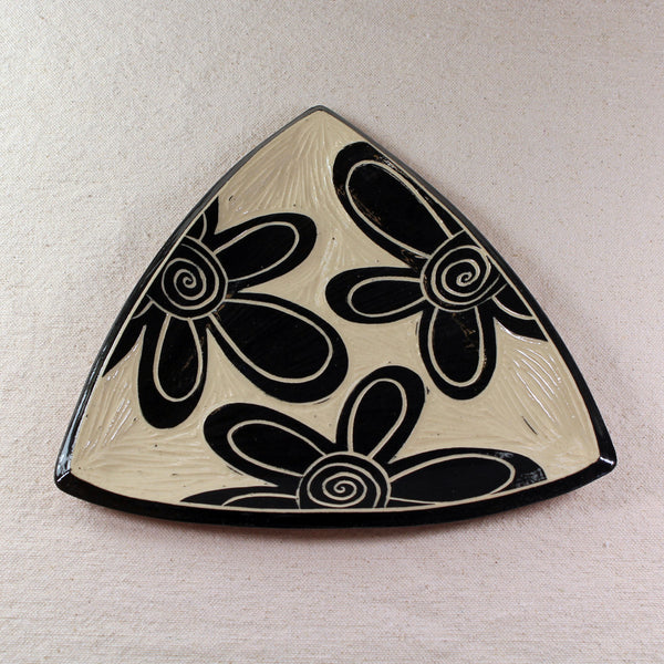 Triangular Tray Flower Pattern