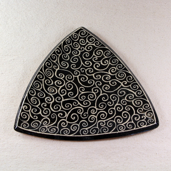 Triangular Tray Spiral Pattern