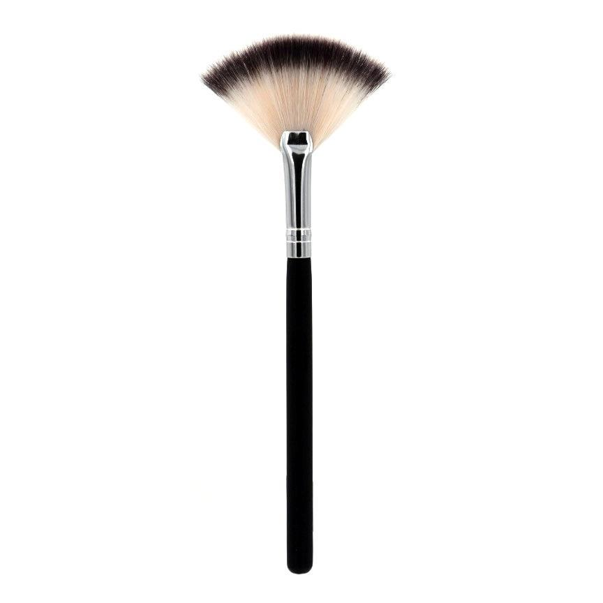 CROWN BRUSH DELUXE SOFT HIGHLIGHT FAN BRUSH