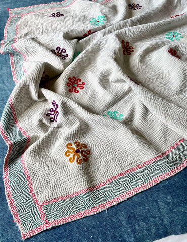 white kantha quilt throw bedspread bedcover hand stitched indian embroidered cotton