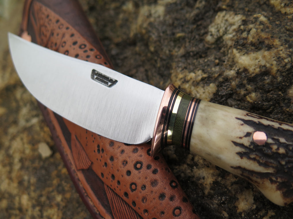 Sambar Stag Hunter w/ Mudbone Trout sheath