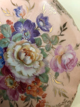 Load image into Gallery viewer, Limoge hand painted porcelain trinket box detail