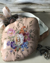 Load image into Gallery viewer, Limoge hand painted porcelain trinket box