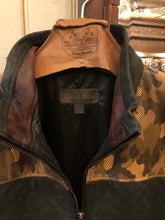 Load image into Gallery viewer, Camo Quilted Leather Vest