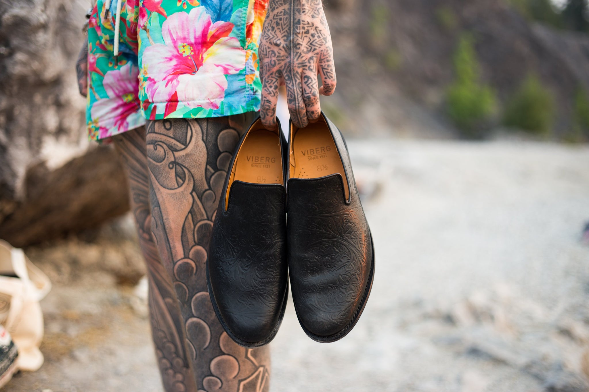 Slipper Black Floral Print Shell Cordovan