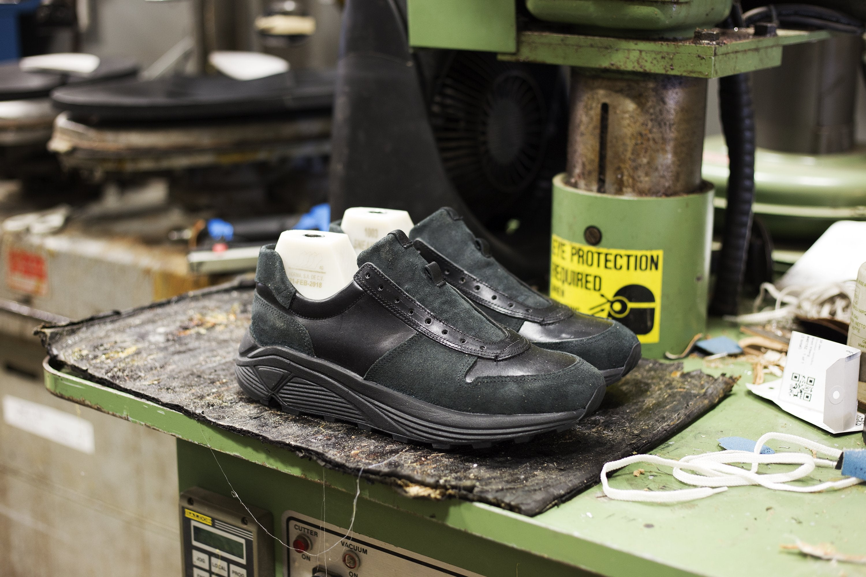 Https Blogs Journal 2018 11 30t120000 0800 Weekly Cut Engineer Shoes Safety Boots Iron Suede Leather Black Sneaker Previewv1532045586