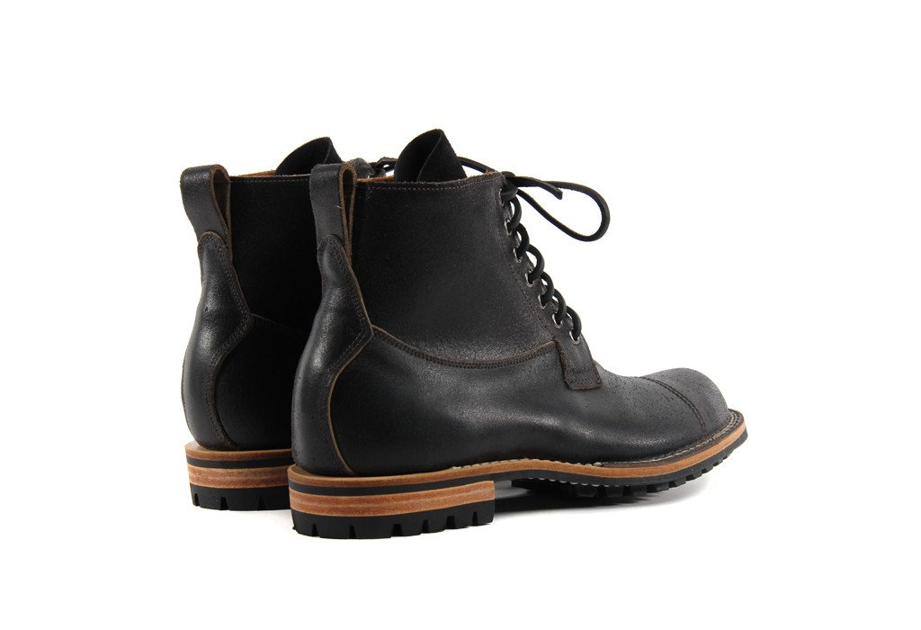 Country Boot Black Waxed Flesh