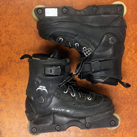 USED Razors Cult 9 skates