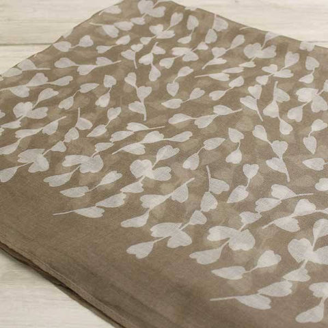 The Bufandary Spriggy Heart Scarf Taupe - Knot Only - 3