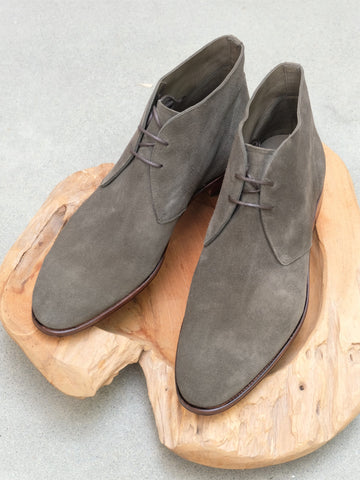 Carmina Shoemaker Unlined Chukka in Loden Suede