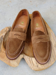 Alden Unlined Leisure Handsewn (LHS) Penny Loafer in Snuff Suede