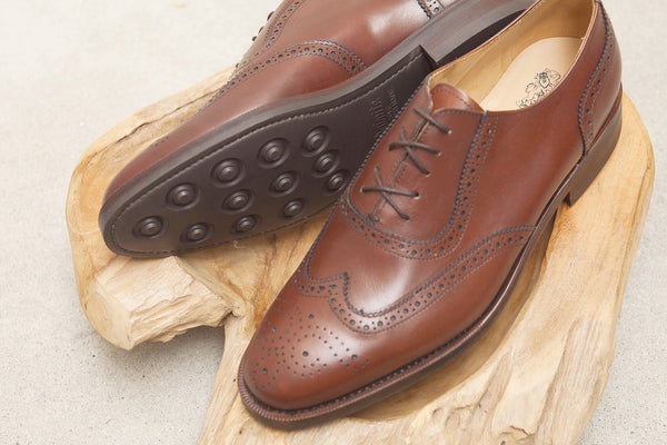 Bow-Tie Shoes Bartlett Wingtip Adelaide in Brown Calf