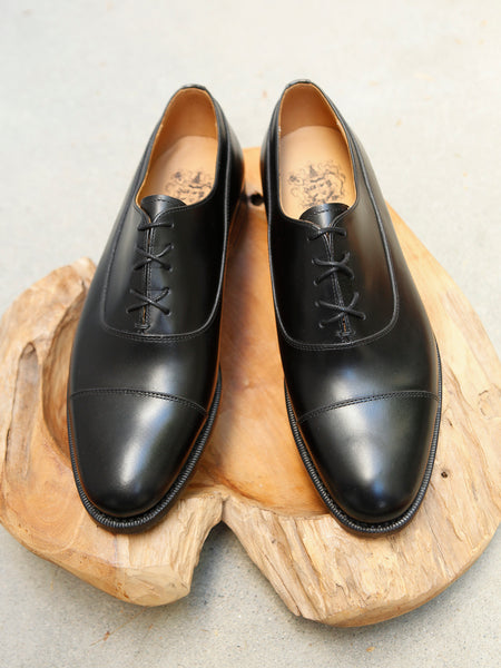 Bow-Tie Shoes Spencer Captoe Oxford in Black Calf