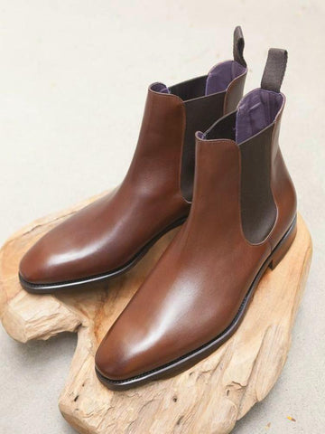 (Pre-Order) Carmina Shoemaker Chelsea Boots in Brown Calf