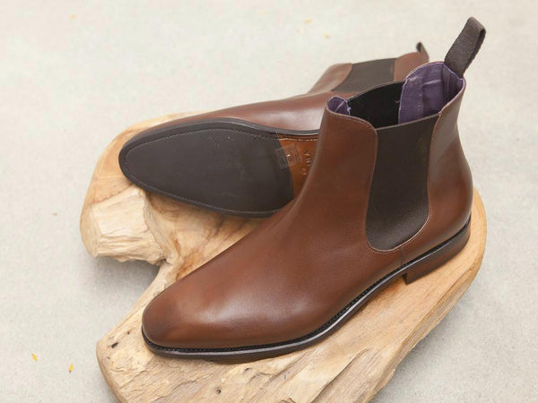 Carmina Shoemaker Chelsea Boots in Brown Calf