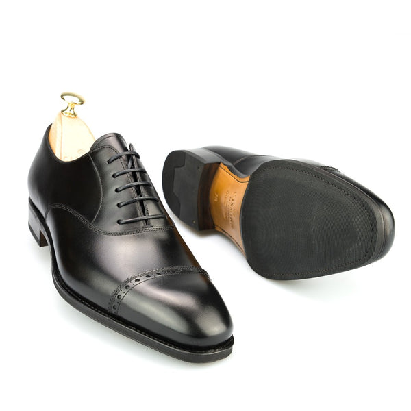 Carmina Shoemaker Quarter Brogue in Black Calf