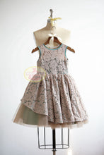 Load image into Gallery viewer, Flower girl dresses