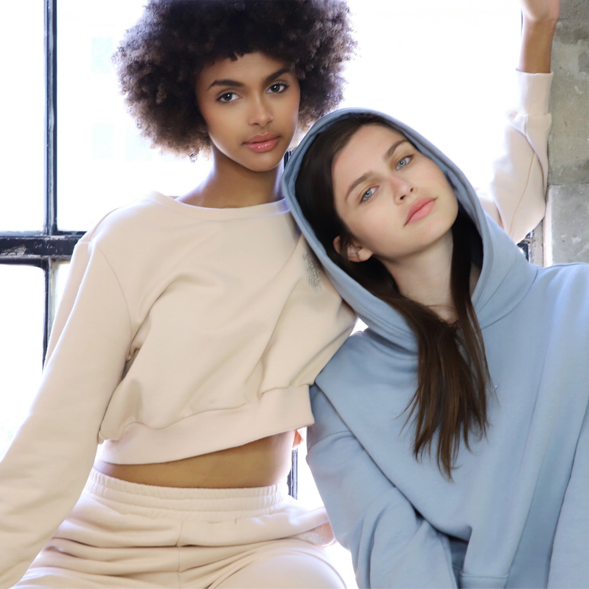 Dream Avec Moi by Ottawa boutique Viens Avec Moi is a collection of cozy and cool sweater sets, joggers, and shorts made from eco-conscious fabrics.