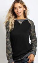 Load image into Gallery viewer, Camo Raglan