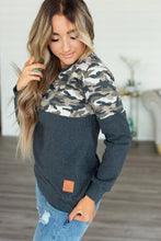 Load image into Gallery viewer, Camo Accent Pullover