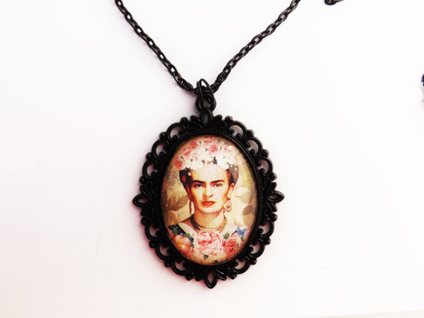 Roses and Frida Filigree Black Cameo Necklace