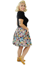 Load image into Gallery viewer, model wearing skirt