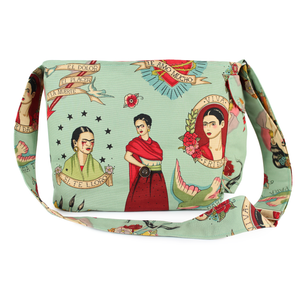 Frida messenger bag closure