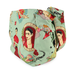 Frida messenger bag side pocket