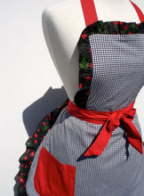 Load image into Gallery viewer, Apron on mannequin close up