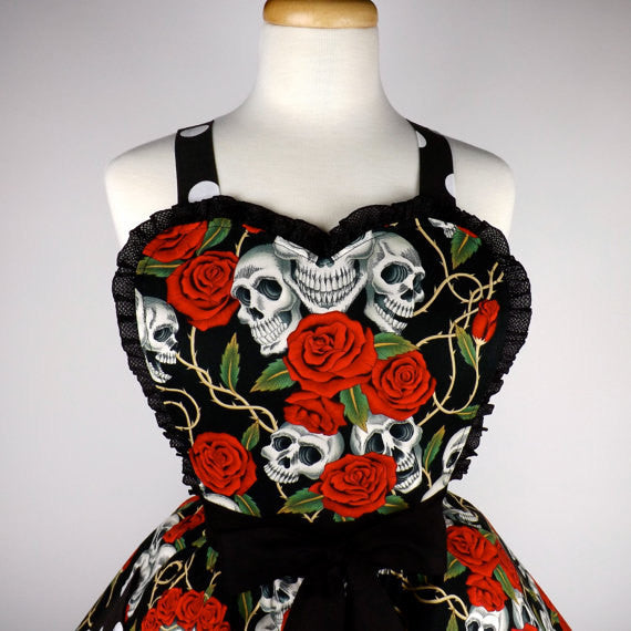 """Double Dipper"" Black Skulls, Thorns, and Roses Apron"