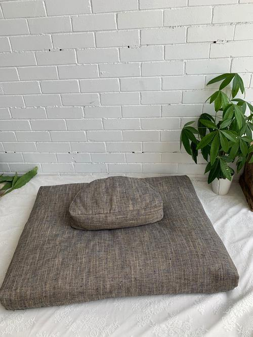Floor cushions for meditation
