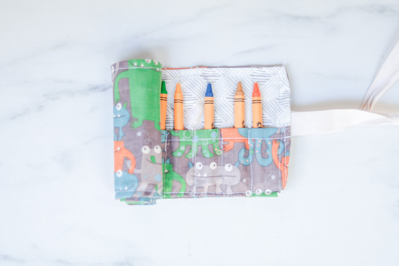 Crayon Travel  Roll