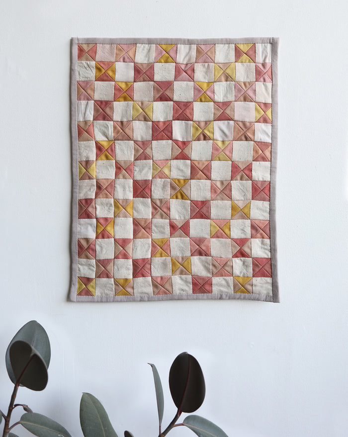 mini wall quilt hour glass