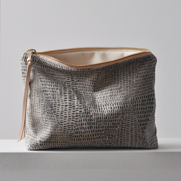 LARGE  POUCH - VELD