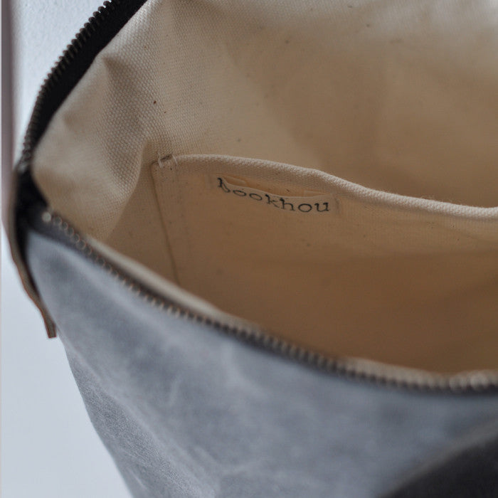 DAY BAG - waxed canvas