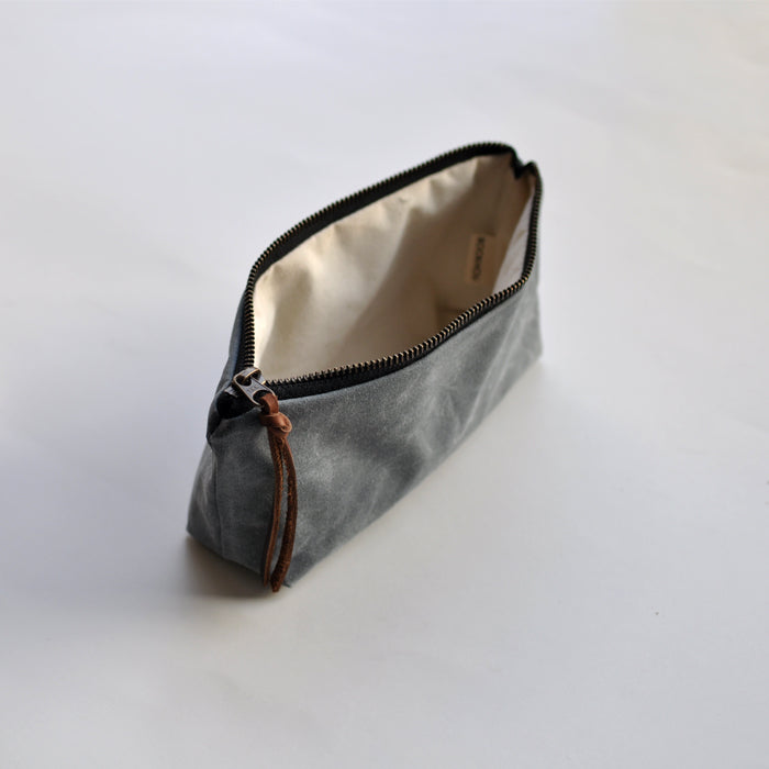 OBLONG  POUCH - charcoal