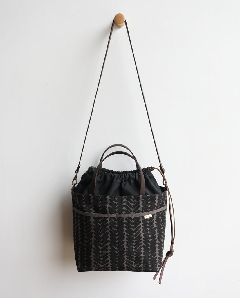 PROJECT TOTE - sukka w/exterior pockets