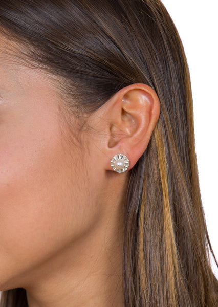 Ruffled Pearl Studs earrings