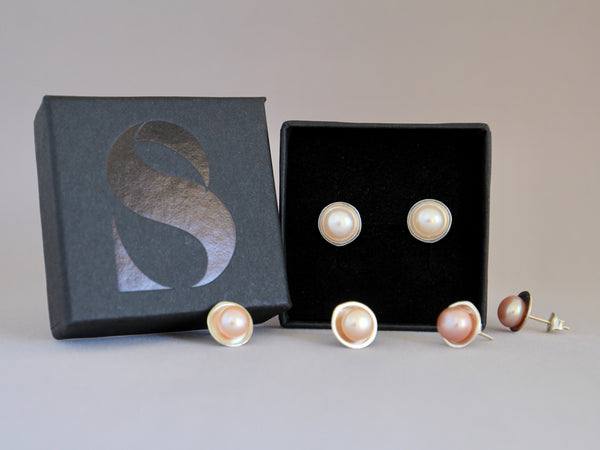 Full Moon studs earrings