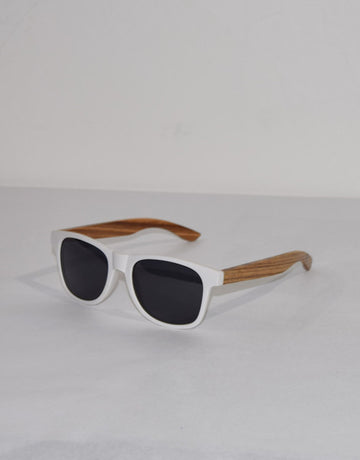 White Mountain : WYR Polarized Zebra Wood Sunglasses