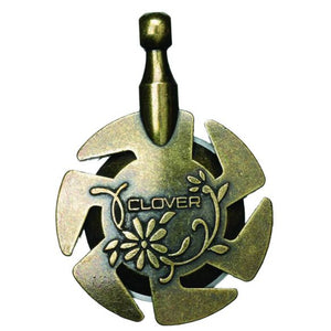 Clover-Yarn-Cutter-Pendant-at-Eskdale-Yarns