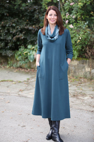 Weekender Long Jersey Dress - Round neckline in Cedar or Navy